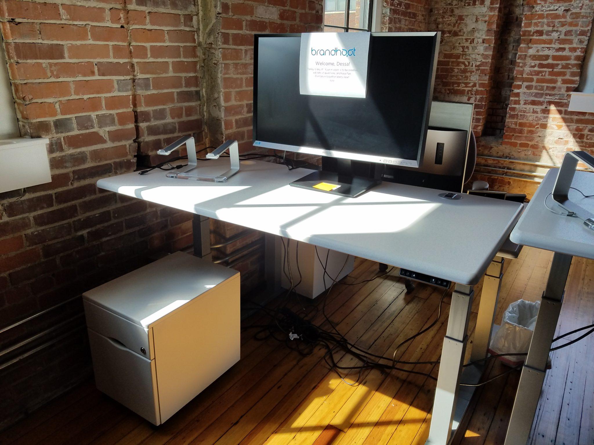 BrandHoot standing desk